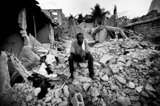 Ιανουάριος 2010 - Καταστροφικός σεισμός στην Αϊτή © Kadir van Lohuizen / NOOR