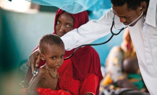 Η ανθρωπιστική κρίση που μαίνεται στη Σομαλία εξακολουθεί να είναι μια από τις χειρότερες στον κόσμο.