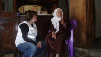 Από την Ελίνα Πελεκάνου, ψυχολόγο, στο πρόγραμμα των ΓΧΣ στη Γάζα για παροχή ψυχολογικής υποστήριξης στα θύματα της διαμάχης με το Ισραήλ. © MSF